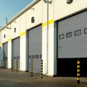 Brama garażowa przemysłowa segmentowa z okienkami
