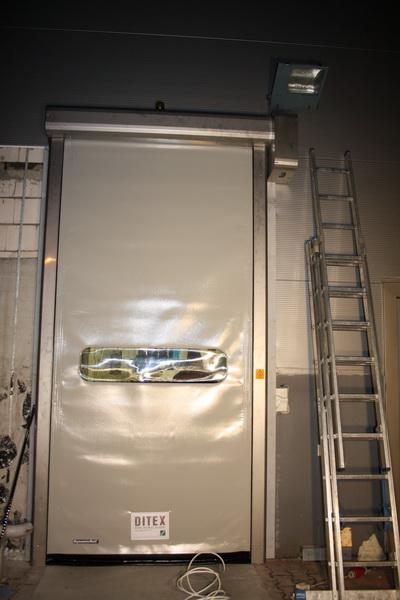 Brama szybkobieżna zewnętrzna Dynamicroll w wersji INOX – Zakłady mięsneTarczyński Ujeździec Mały
