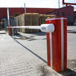 Szlaban hydrauliczny B680H. Montaż i serwis wysokiej klasy dwóch szlabanów elektrohydraulicznych dla fabryki Hirsch