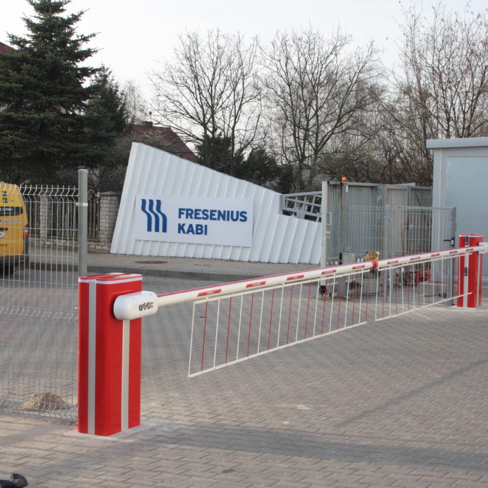 Dostawa i instalacja dwóch szlabanów FAAC B680 – Clinico Medical Błonie k. Wrocławia