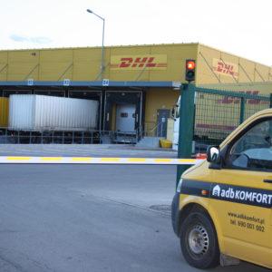 Szlabany hydrauliczne FAAC 615 - centrum logistyczne DHL Wrocław -dostawa, instalacja, serwis szlabanów 2