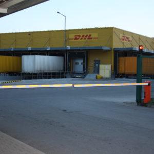 Szlabany hydrauliczne FAAC 615 - centrum logistyczne DHL Wrocław -dostawa, instalacja, serwis szlabanów 15