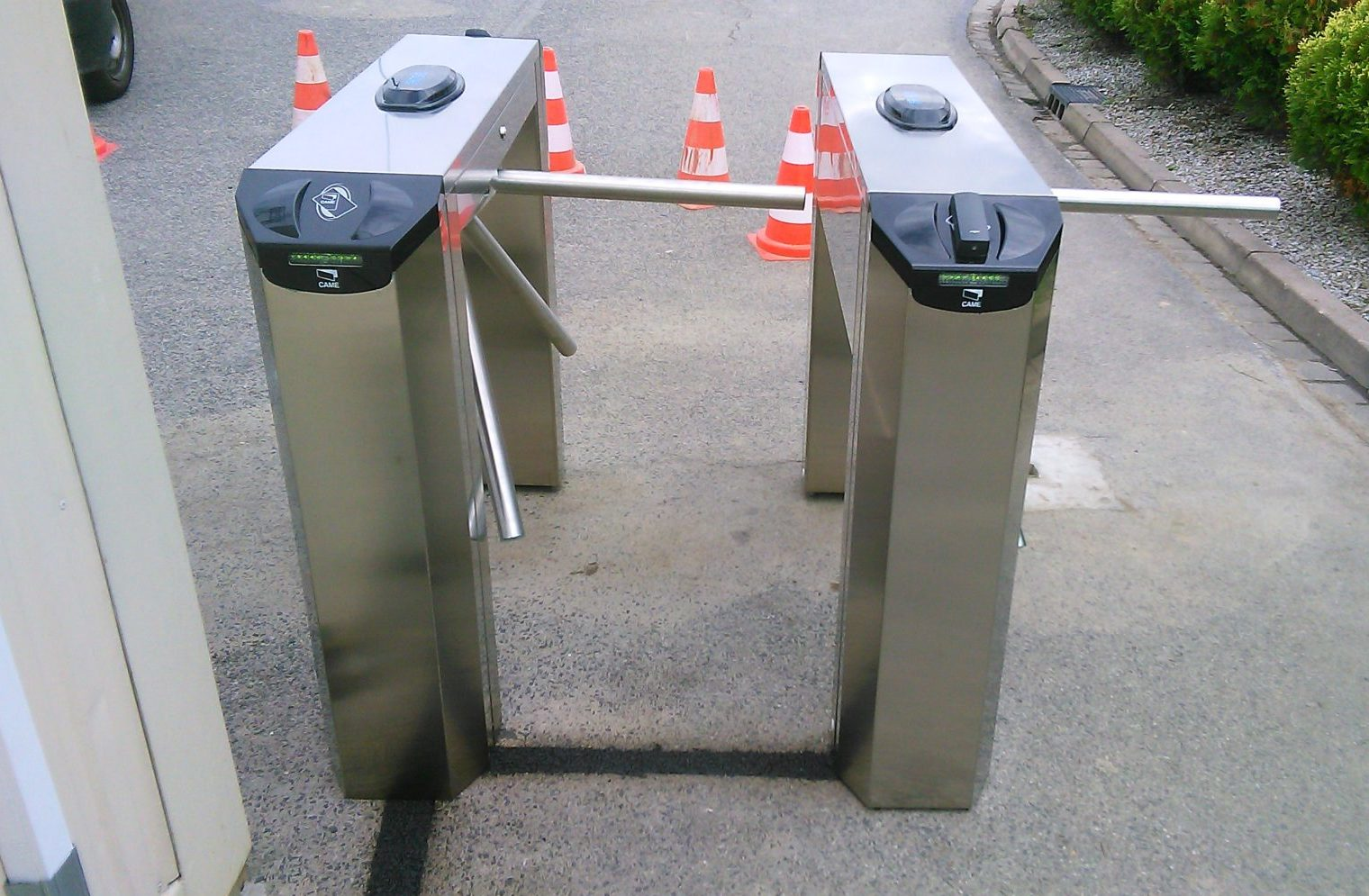 Dostawa i instalacja tripodów Came Twister w Kobierzycach Podgórnych