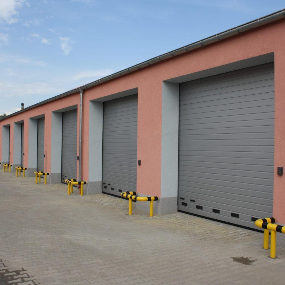 Bramy przemysłowe Hormann SPU 42 jedenaście sztuk  – dostawa i montaż – lokalizacja Dzierżoniów