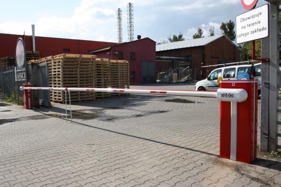 Montaż i serwis. Szlabany wysokiej jakości hydrauliczne FAAC B680H – Hirsch Wrocław