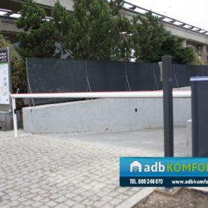 Szlaban hydrauliczny B680H z ramieniem 4m.  Hala Stulecia - Wrocław1