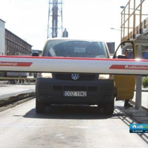 KGHM_sprzedaż_i_instalacja_sześciu_szlabanów_hydraulicznych_FAAC_model_B680H_10