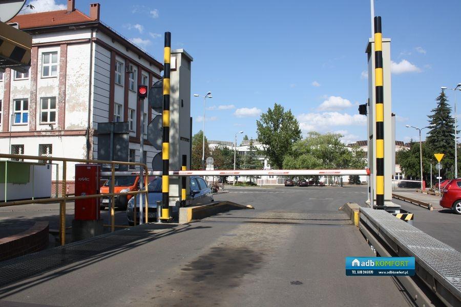 Dostawa, instalacja i serwis sześciu szlabanów B680H – KGHM Legnica