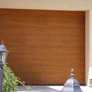 Brama garażowa segmentowa UniPro złoty dąb bez przetłoczeń 3