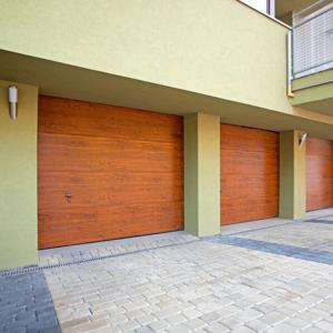 Brama garażowa segmentowa UniPro bez przetłoczeń złoty dąb