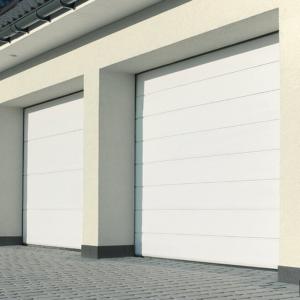 Brama garażowa segmentowa UniPro, po lewej panel bez przetłoczeń, po prawej przetłoczenia wysokie