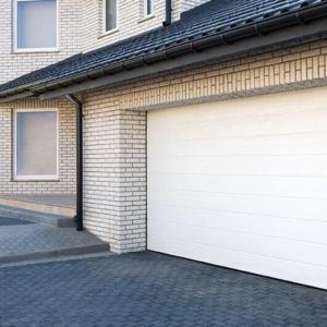 Brama garażowa segmentow Wiśniowskia UniPro przetłoczenia wysokie 2