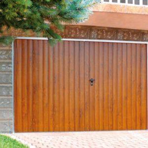 Brama garazowa rozwierna złoty dąb