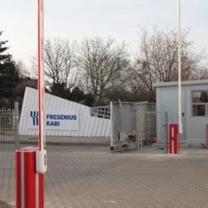 Clinico Medical - Dostawa, montaż i serwis dwóch szlabanów hydraulicznych FAAC B680