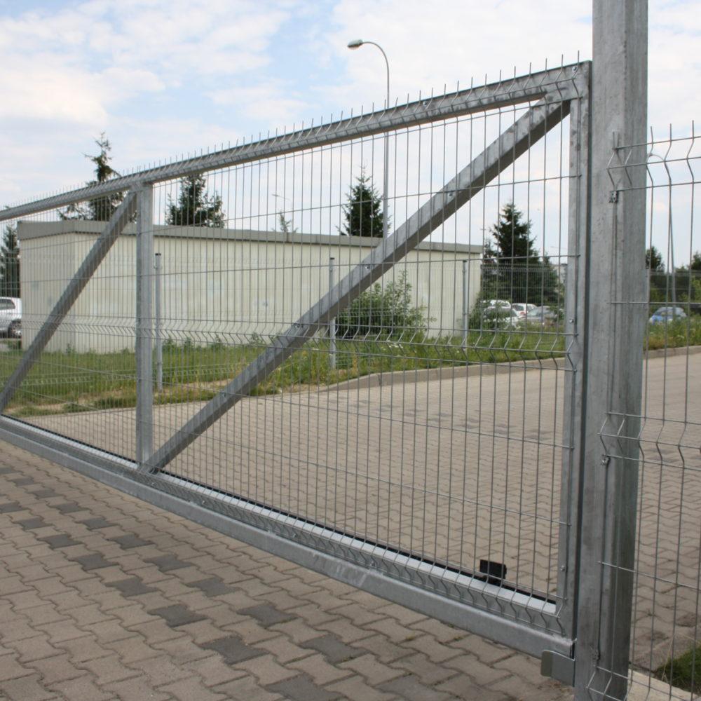 Wykonanie, dostawa i montaż bramy przesuwnej oraz instalacja szlabanu hydraulicznego FAAC B680H – lokalizacjac Domex Dzierżoniów