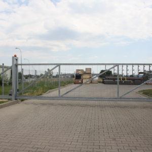 Dostawa i montaż brama przesówna z napędem FAAC 741i szlaban hydrauliczny FAAC B680  - lokalizacja Dzierżoniów