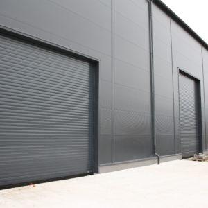 Montaż trzech bram przemysłowych garażowych Wiśniowski BR-100 RAL 7016