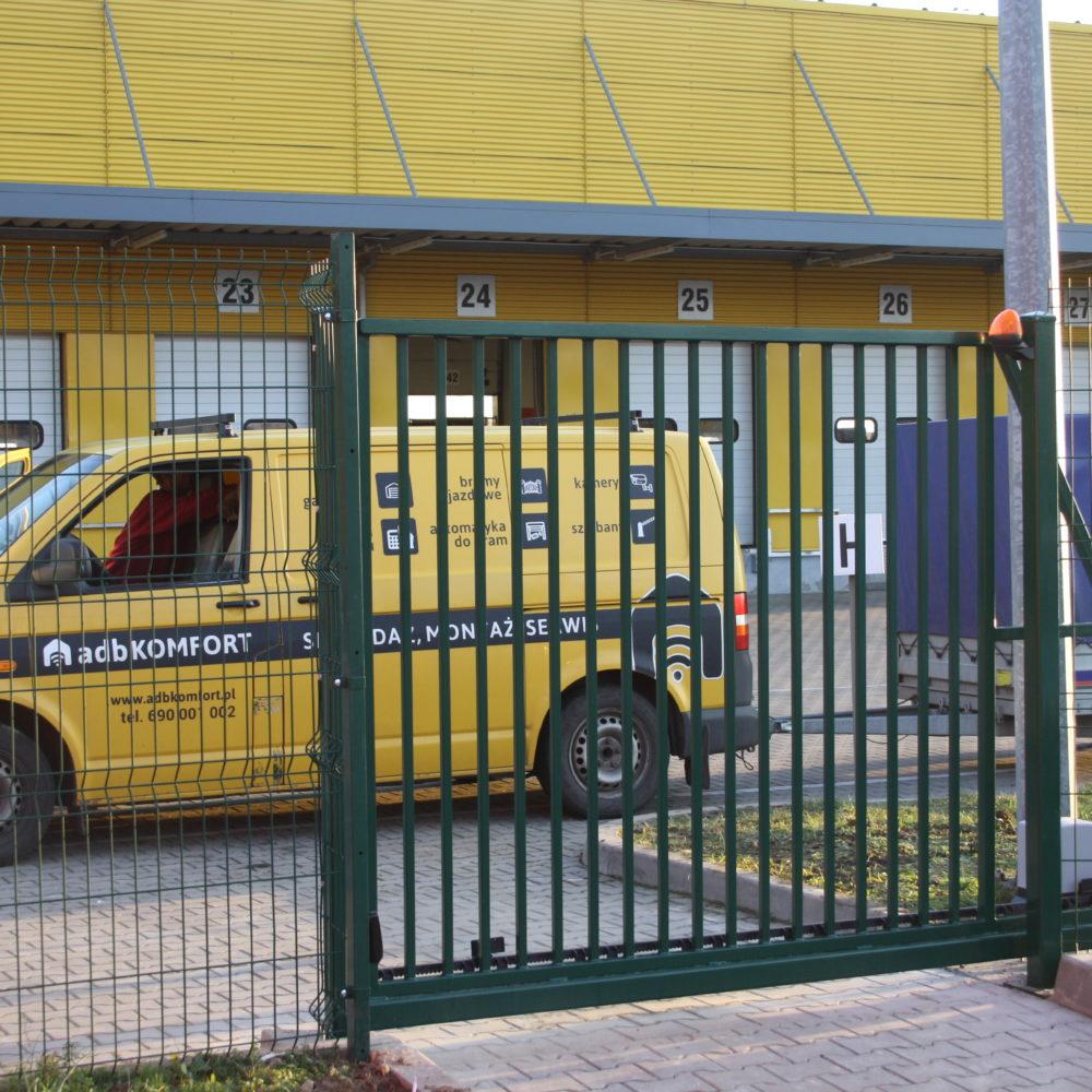Wykonanie i instalacja bramy automatycznej – DHL Wrocław