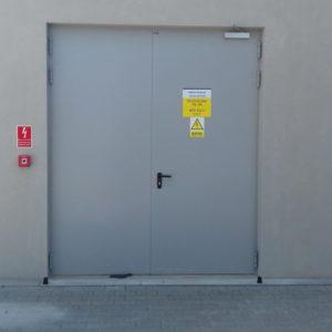 12. Drzwi stalowe płaszczowe zewnętrzne p. poż.  do trafo stacji Wiśniowski - montaż ADB Komfort - Dzierżoniów