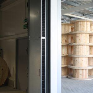 14. Sprzężenie przemysłowej kurtyny powietrznej z bramą automatyczą Hormann