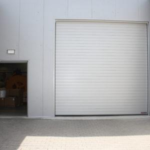 3. Brama przemysłowa segmentowa Hormann i drzwi stalowe płaszczowe Wiśniowski - montaż ADB Komfort