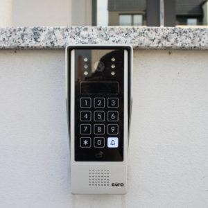 Instalacja_wideomofonu_Eura_Tutan_z_klawiaturą_kodową_i_transporderami_zbliżeniowymi - Wrocław